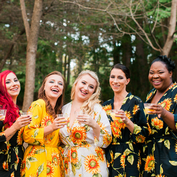 Country-Villa-Bridesmaids-sunflower-robes