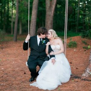 Country-Villa-Couple-Swing-Photo-Op